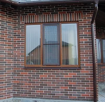 декоративная отделка окна кирпичом