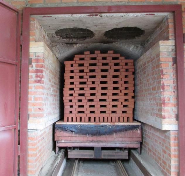 обжиг керамического кирпича в туннельной печи