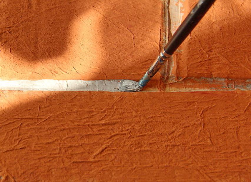 покраска швов в имитации кирпичной кладки