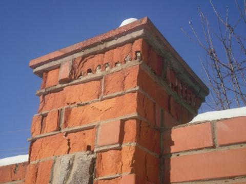 разрушение кирпичного столба